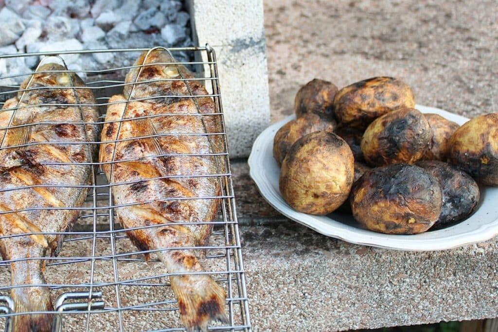 Grilla fisk potatis